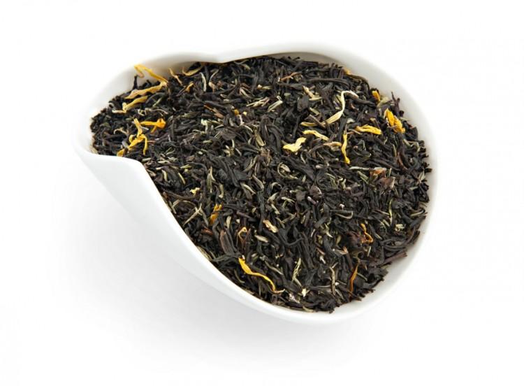 Черный традиционный чай с чабрецом и лепестками календулы